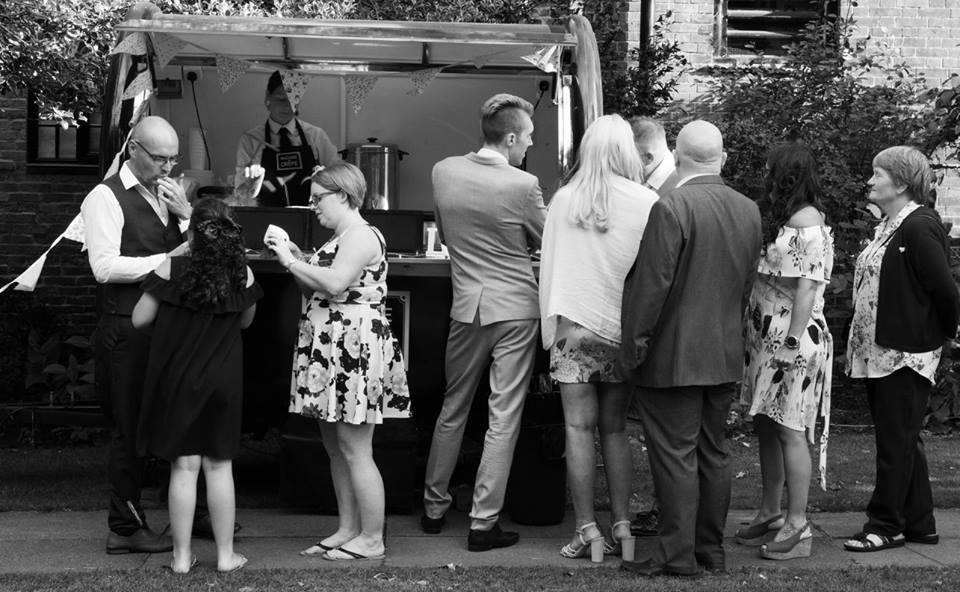 mobile_creperie_retford_weddings_birthday_party_nutella_organic_homemade_fresh_french_food_caterer_madamecrepe_3