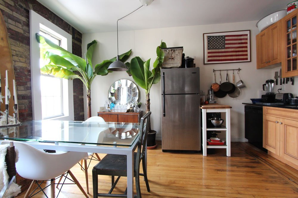 This 600 sq ft apartment didn't stop these dwellers from having an intimate dining space for themselves and their guests! See the whole house tour here on Apartment Therapy:  http://www.apartmenttherapy.com/joey-house-tour-192227#_