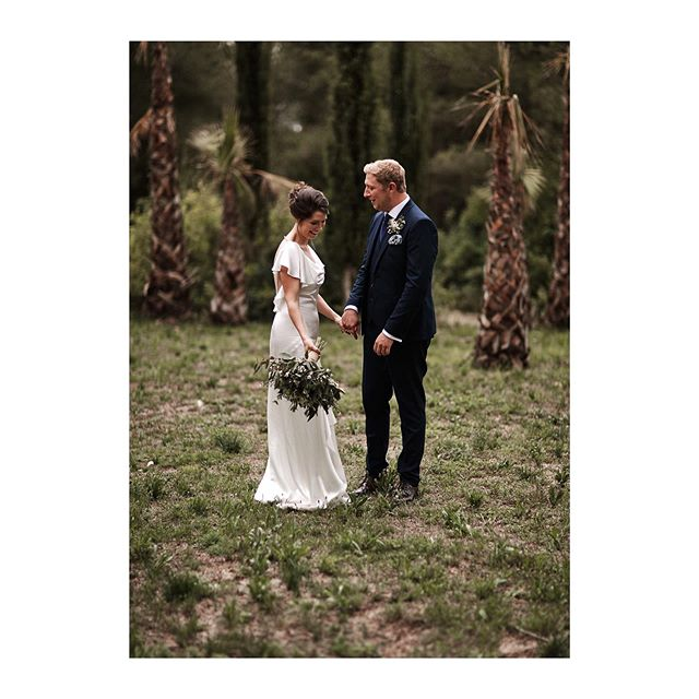 Francesca and Darren just after their beautiful ceremony. ⠀⠀⠀⠀⠀⠀⠀⠀⠀ ⠀⠀⠀⠀⠀⠀⠀⠀⠀ ⠀⠀⠀⠀⠀⠀⠀⠀⠀ ⠀⠀⠀⠀⠀⠀⠀⠀⠀ Planner @delicious.agency Flowers @florsbertran