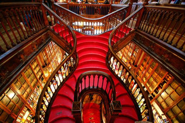 Livraria-Lello-Porto-6-610x406.jpg