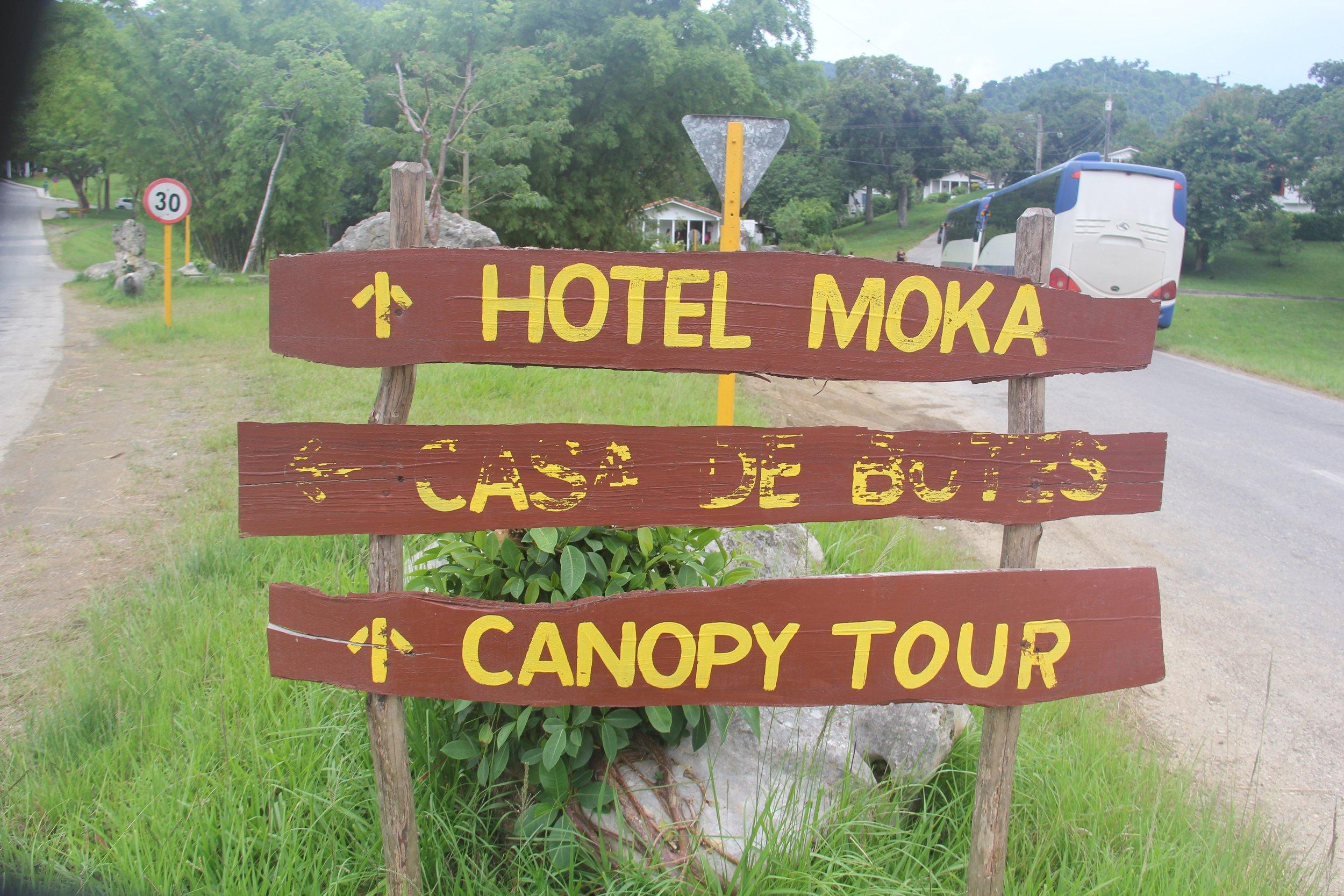 Hotel Moka sign