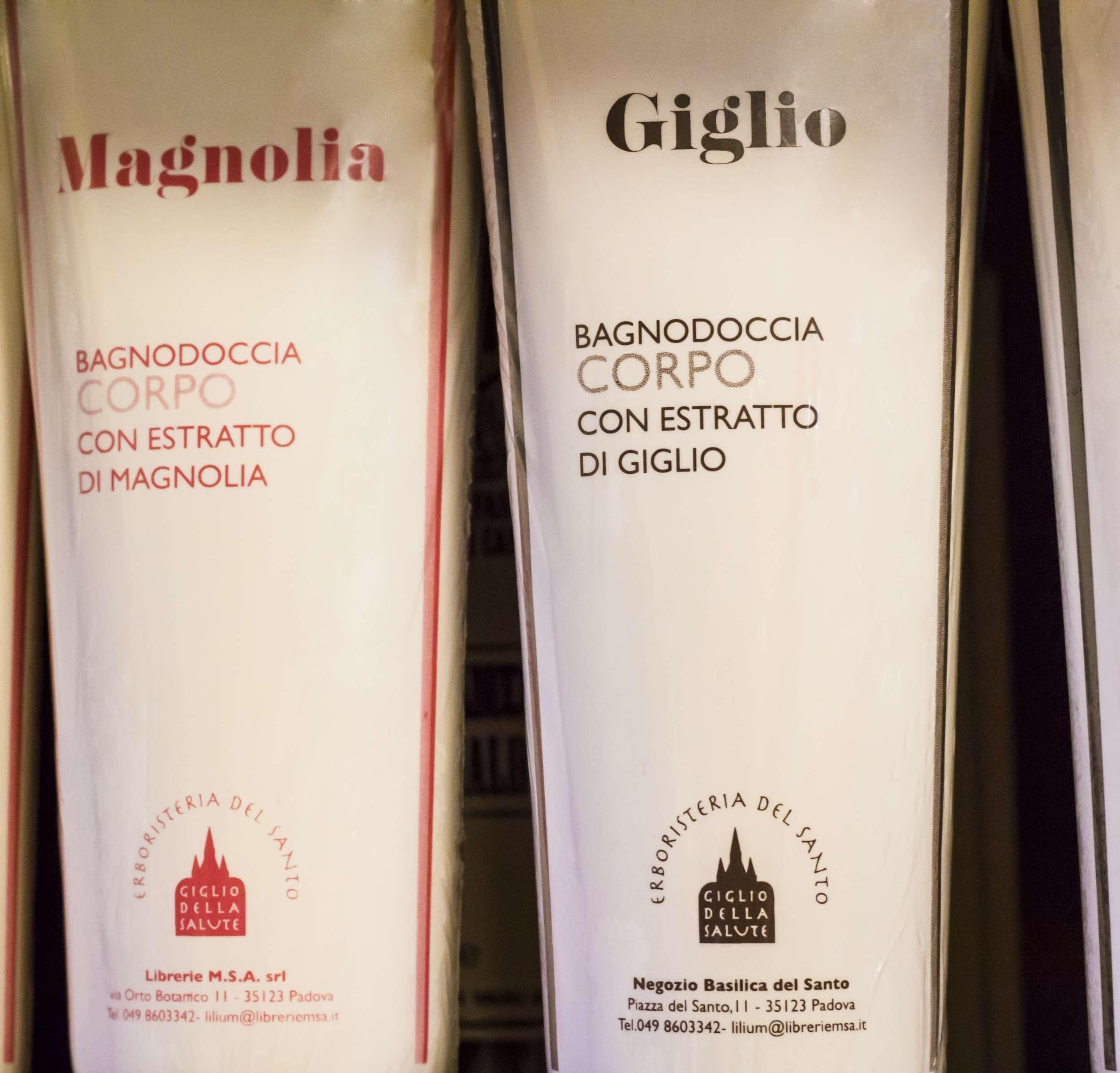 """<p><strong>Bagno doccia-shampoo</strong><a http://www.libreriadelsanto.it/reparti/herborarium-del-santo/bagnodoccia/3592.html"""">Scopri di più →</a></p>"""