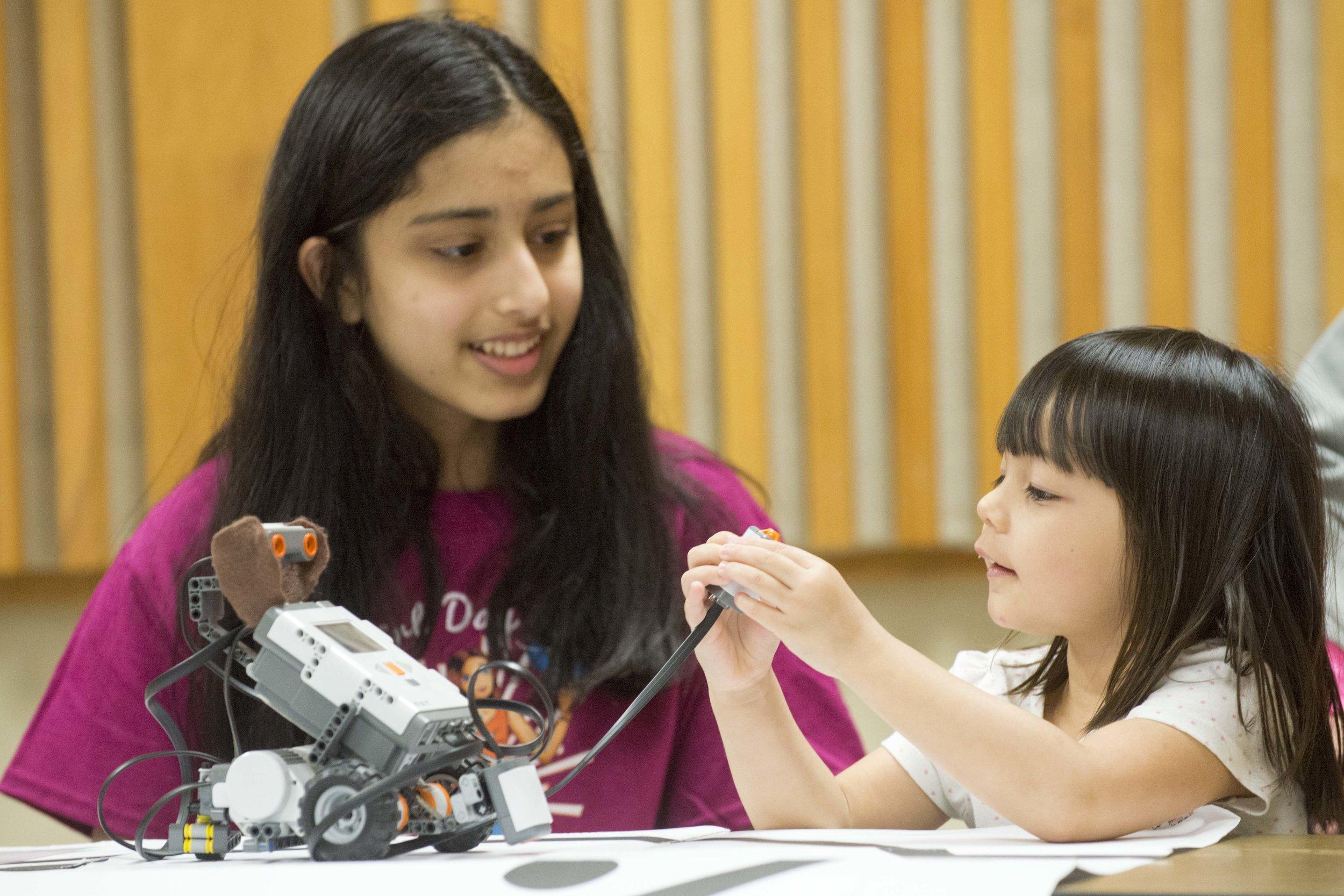 Girl Day STEM Festival - Cockrell School of Engineering 201_89.jpg