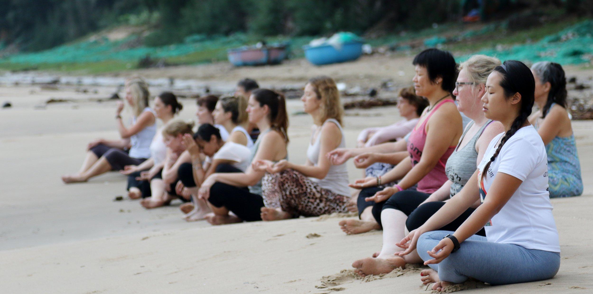 yoga-mindfulness-retreat-mui-ne-vietnam