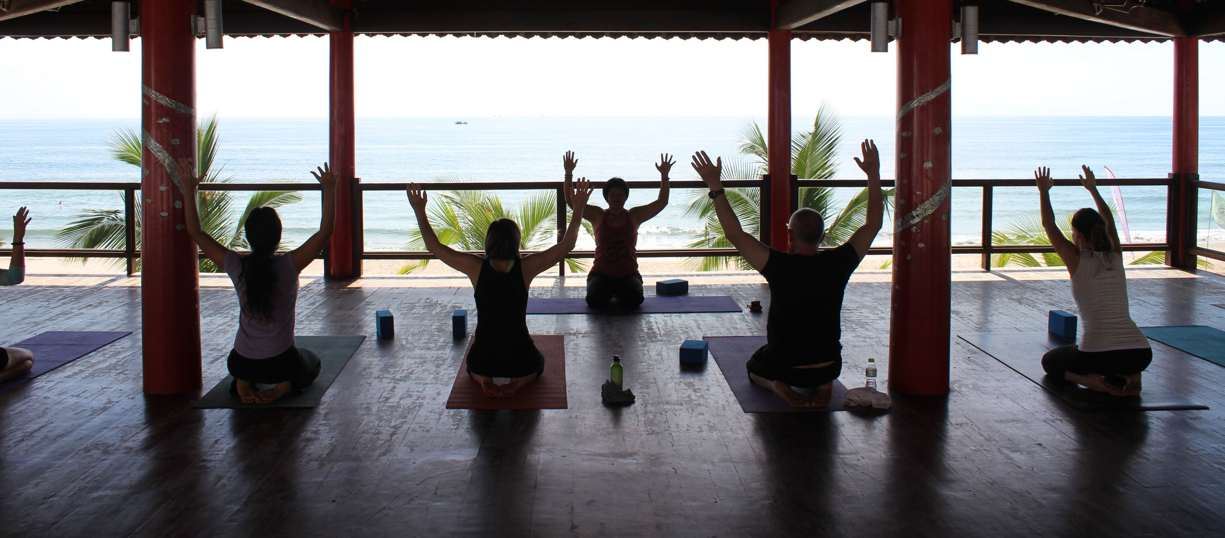 yoga-mindfulness-meditation-retreat-mui-ne-vietnam