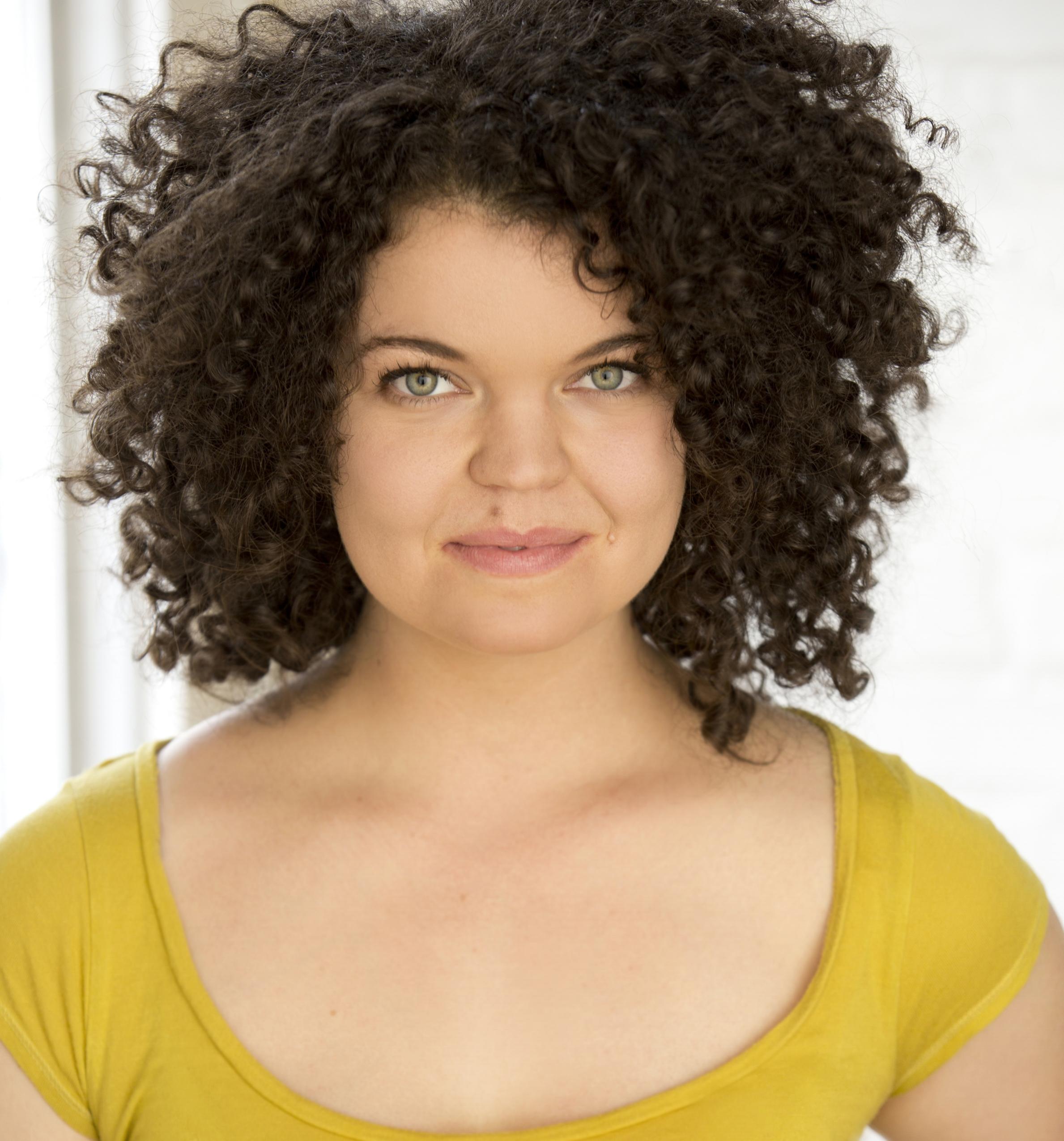 Megan Burns (Amy March)