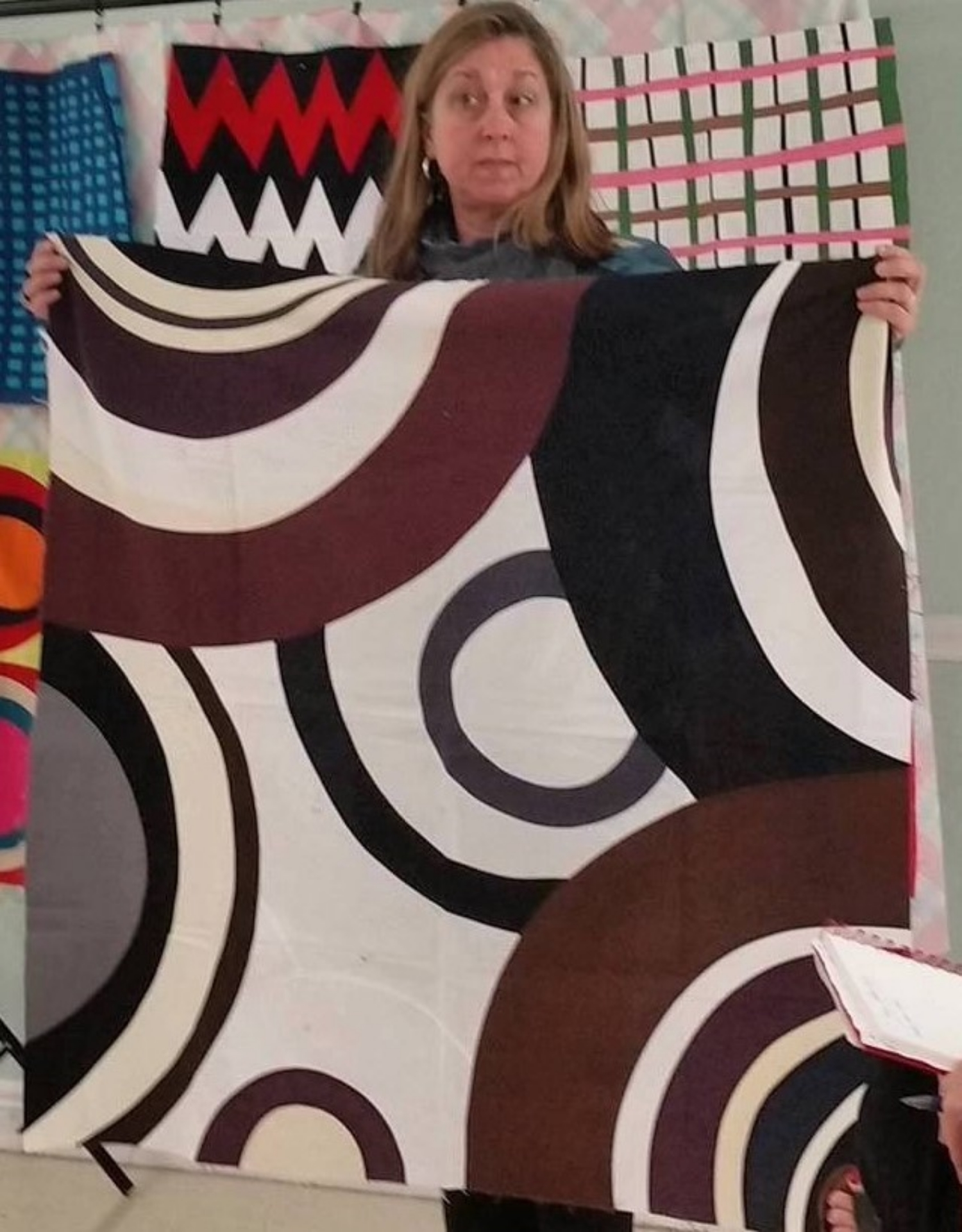 Maria's large circles and curves quilt top