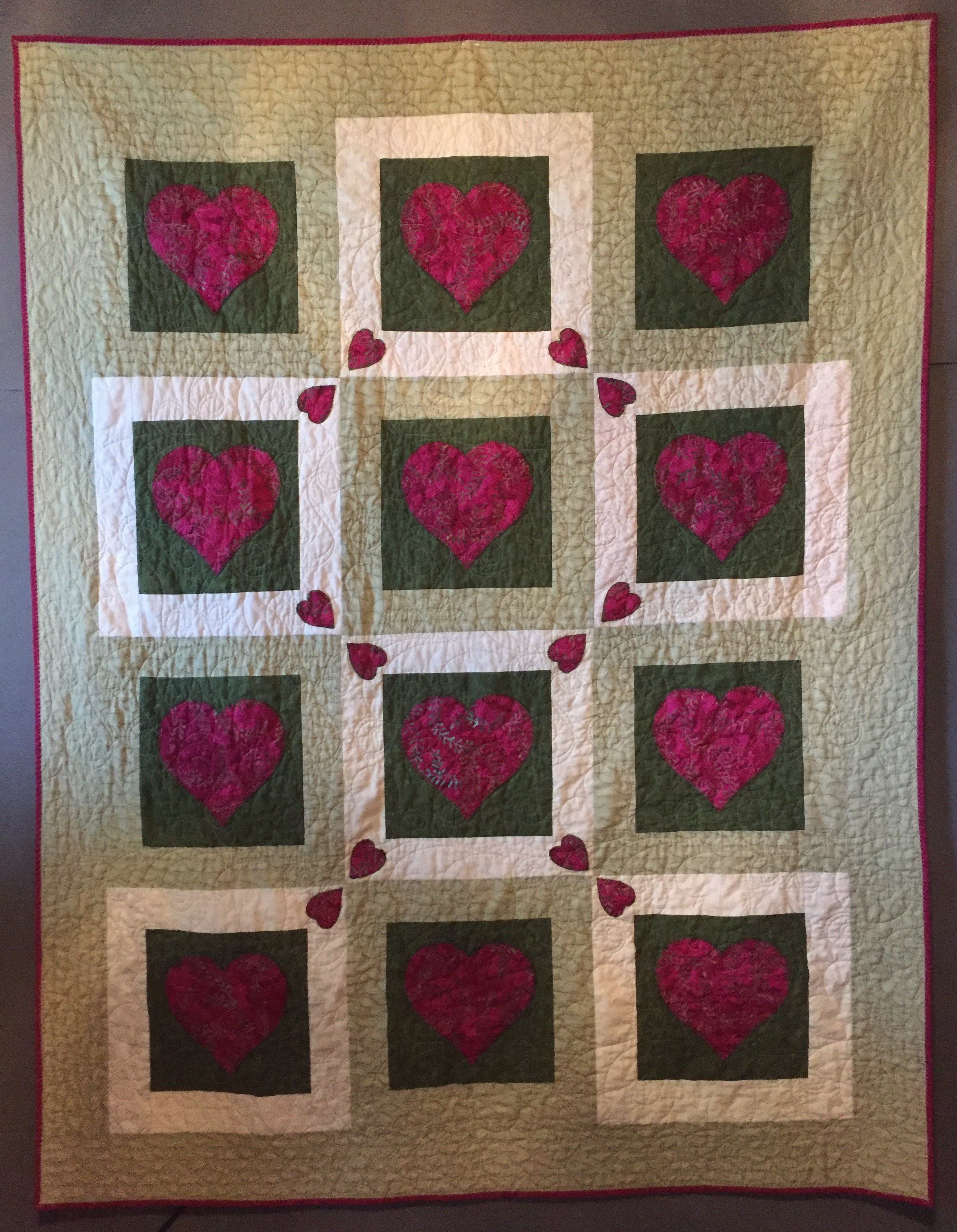 Pieced by Holly Harrington (CSQG), quilted by Stefanie Foster