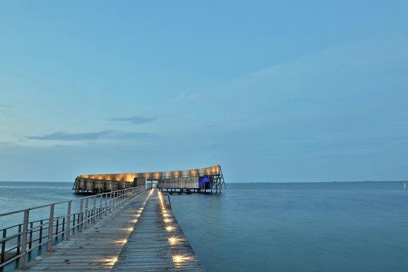 Kastrup Sea Baths (Kastrup Søbad), Kastrup, Denmark.Photo by  Stefan Grage .