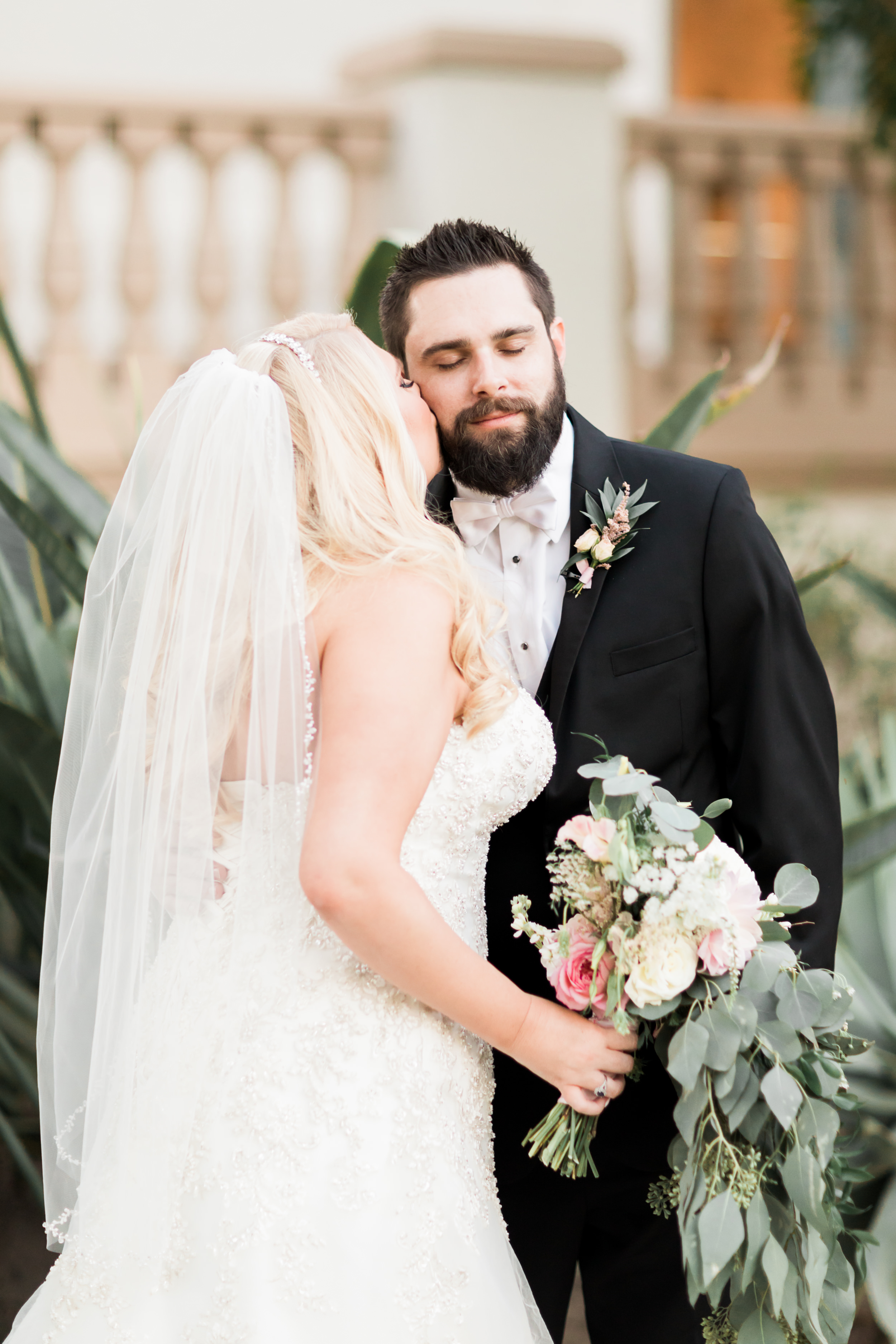 Bride and groom had a stunning navy and gold fall wedding at Spanish Hills in Camarillo, CA. The white florals and greenery were the perfect touch throughout the SoCal venue, reception decor and centerpieces. This fall wedding has affordable wedding DIYs ideas that look more luxe than they are. This is a must save! Planning:@janealexandraevents | Photography: @KJacksonPhoto | Florals: @velvetblooms #JAE #janealexandraevents #camarilloweddingvenue #weddingplanning #camarillowedding
