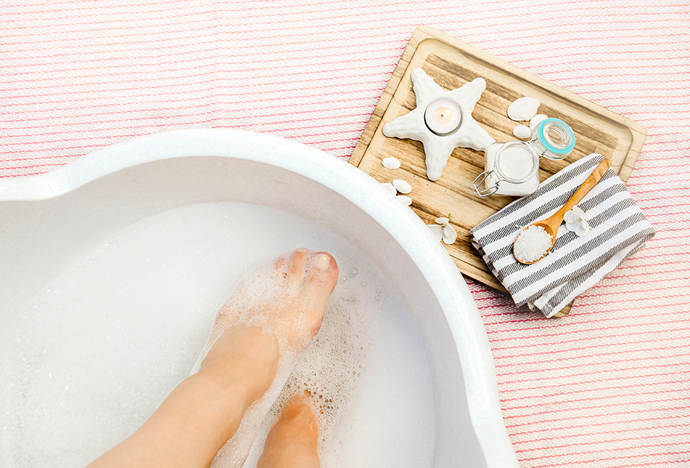 Pregnant Bathing Safety - Is taking pregnant baths advisable?