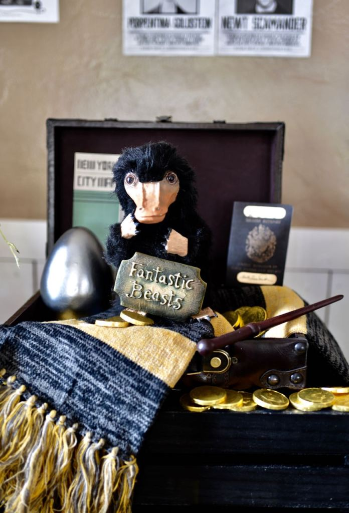 Fantastic-Beasts-party-with-DIY-niffler.jpg