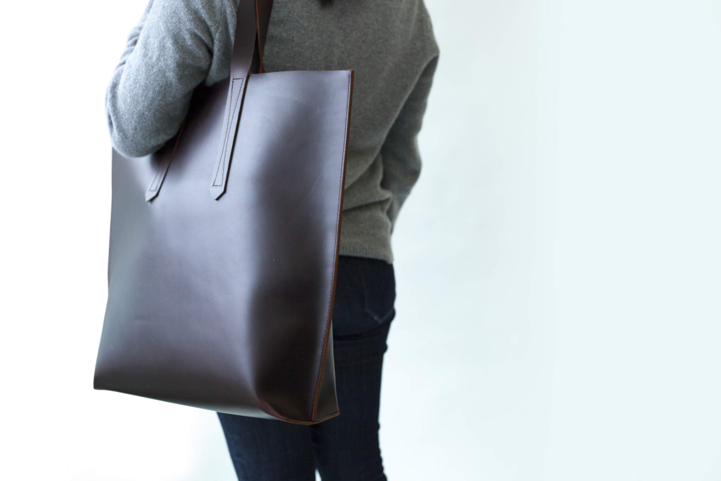 LeatherTote_Model_Shoulder.jpg