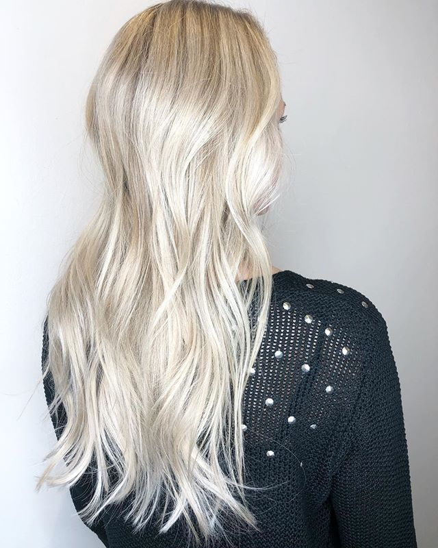That @olaplex blonde ✨ styled using @kerastase_official and @love_kevin_murphy
