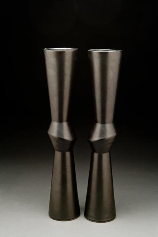 Knee Vase