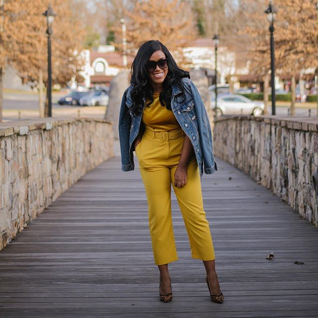 I'm developing a true love for yellow. Everything looks good in yellow and the sight of it really brightens my mood. I really stan for this color.  #BeEssntl