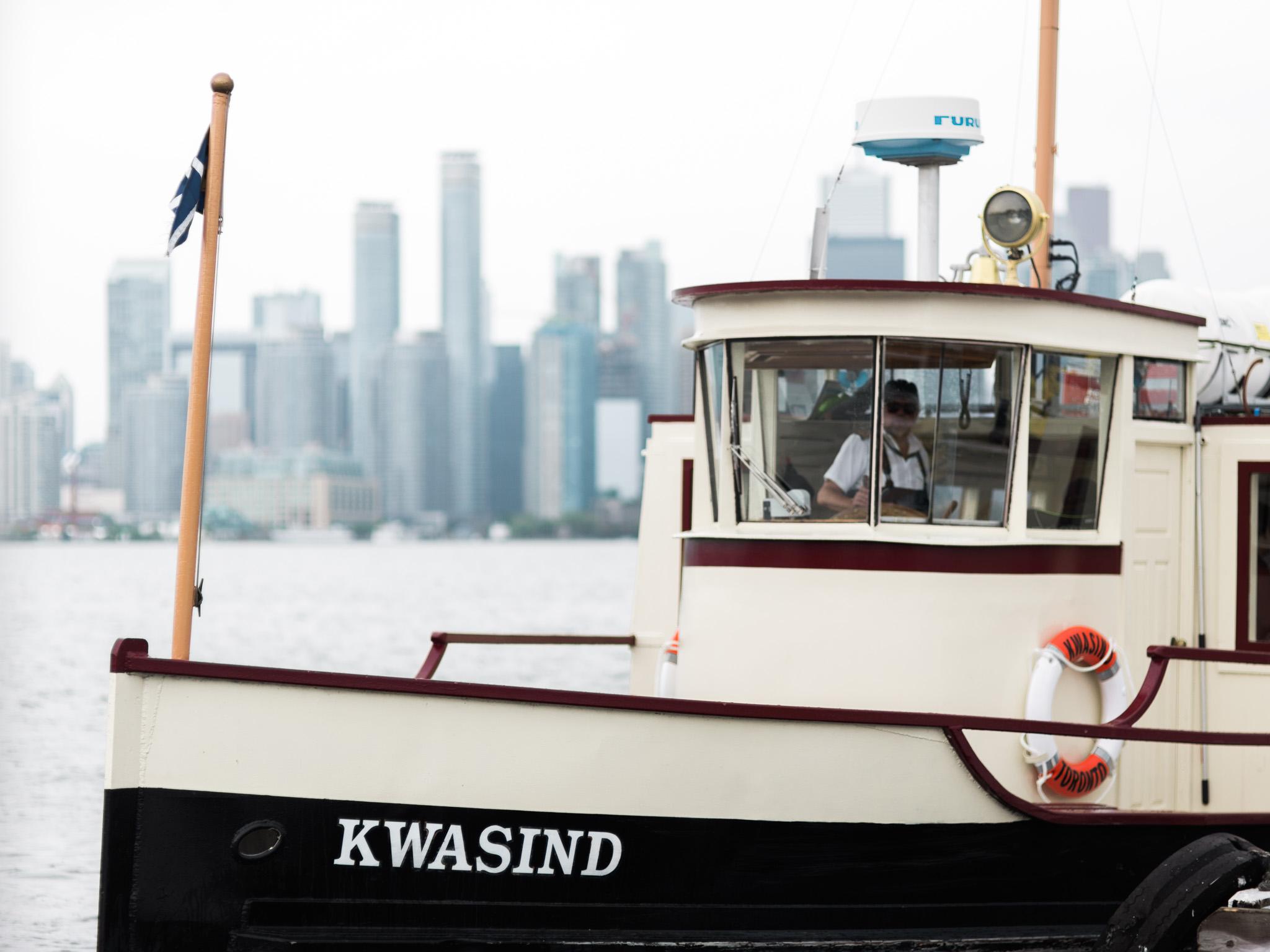 toronto-island-Royal-canadian-yacht-club-wedding-photographer-17