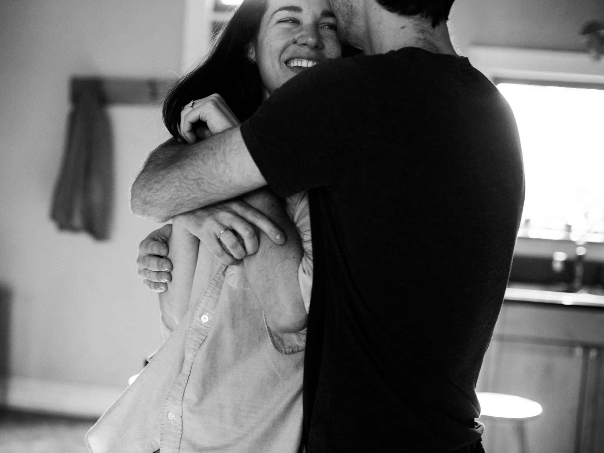 At-home-intimate-engagement-session-LC-39.jpg