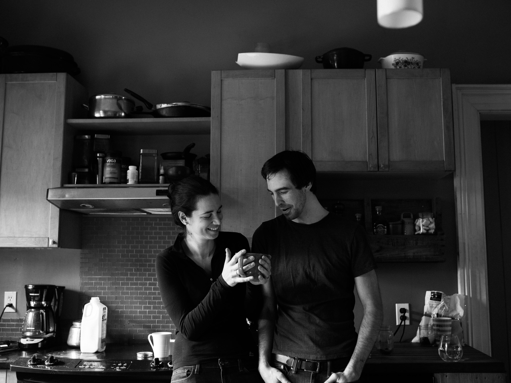 At-home-intimate-engagement-session-LC-8.jpg