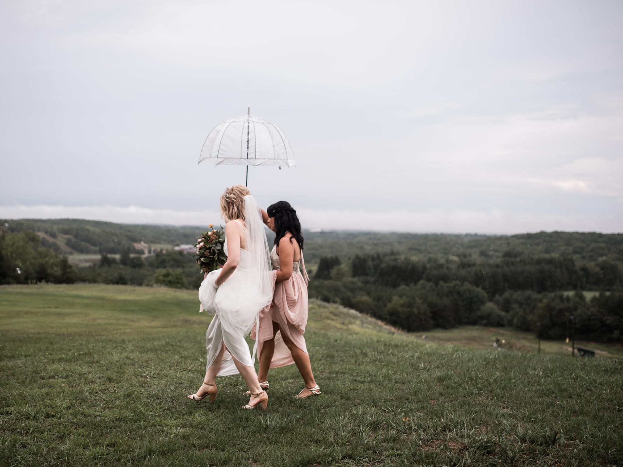 skyloft-wedding-toronto-wedding-photographer-27.jpg