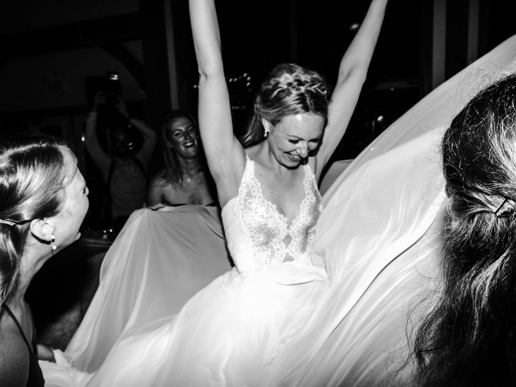 skyloft-wedding-toronto-wedding-photographer-71.jpg