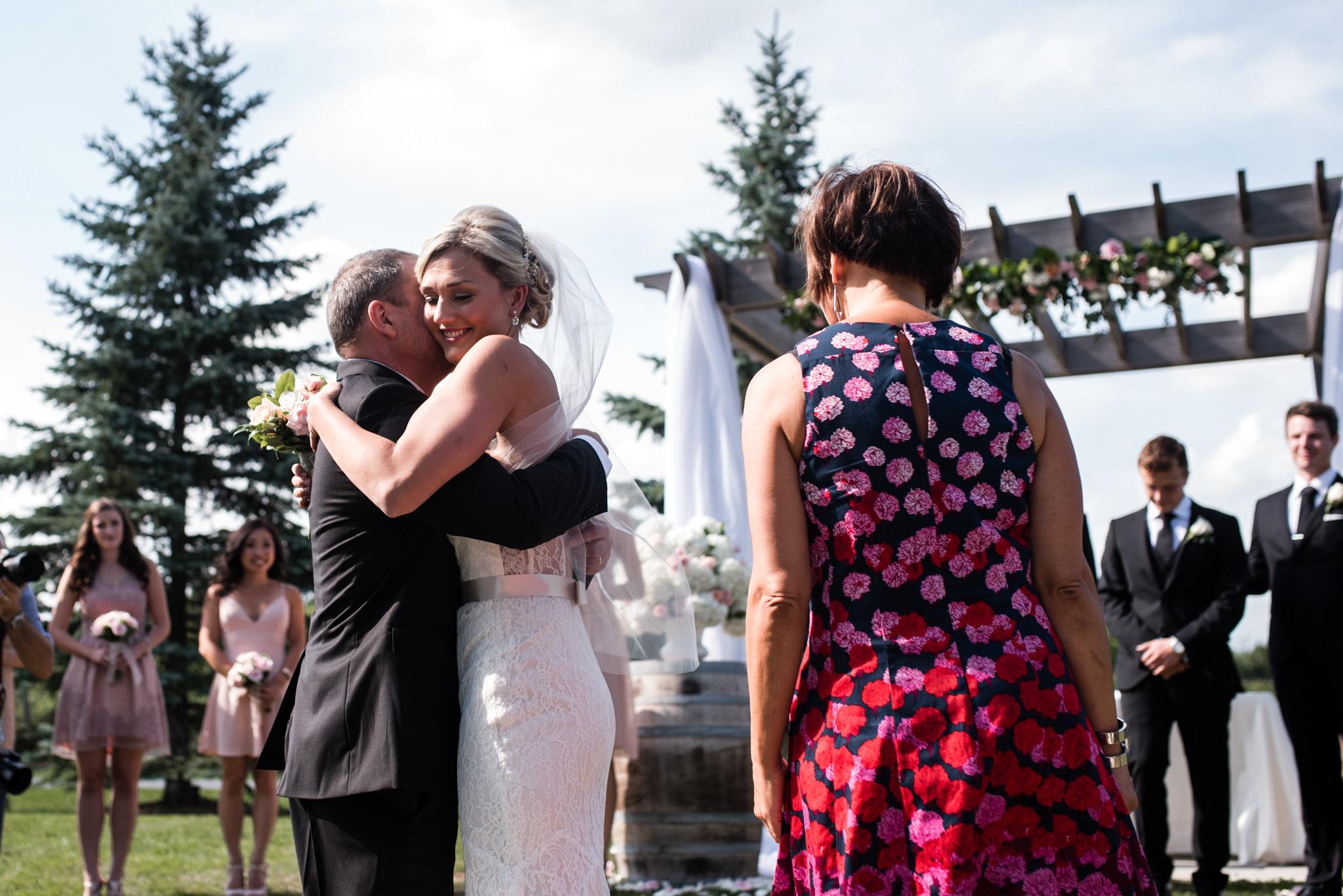 toronto-willowspring-winery-wedding-photographer-14