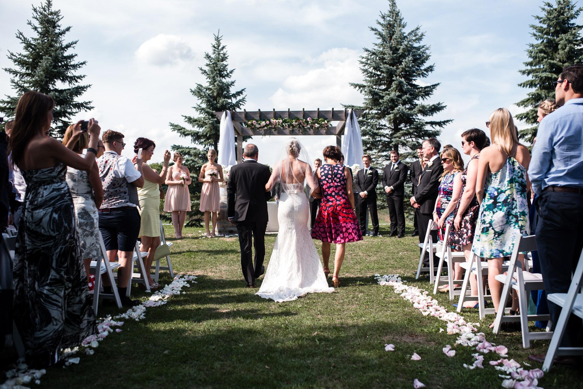 toronto-willowspring-winery-wedding-photographer-8