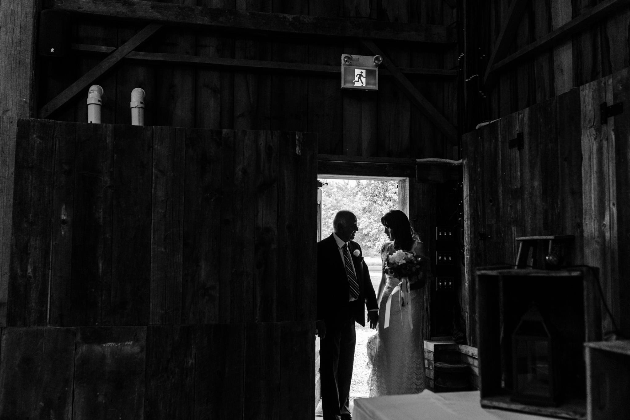 130-wedding-ceremony-in-the-rain-toronto-photographer.jpg