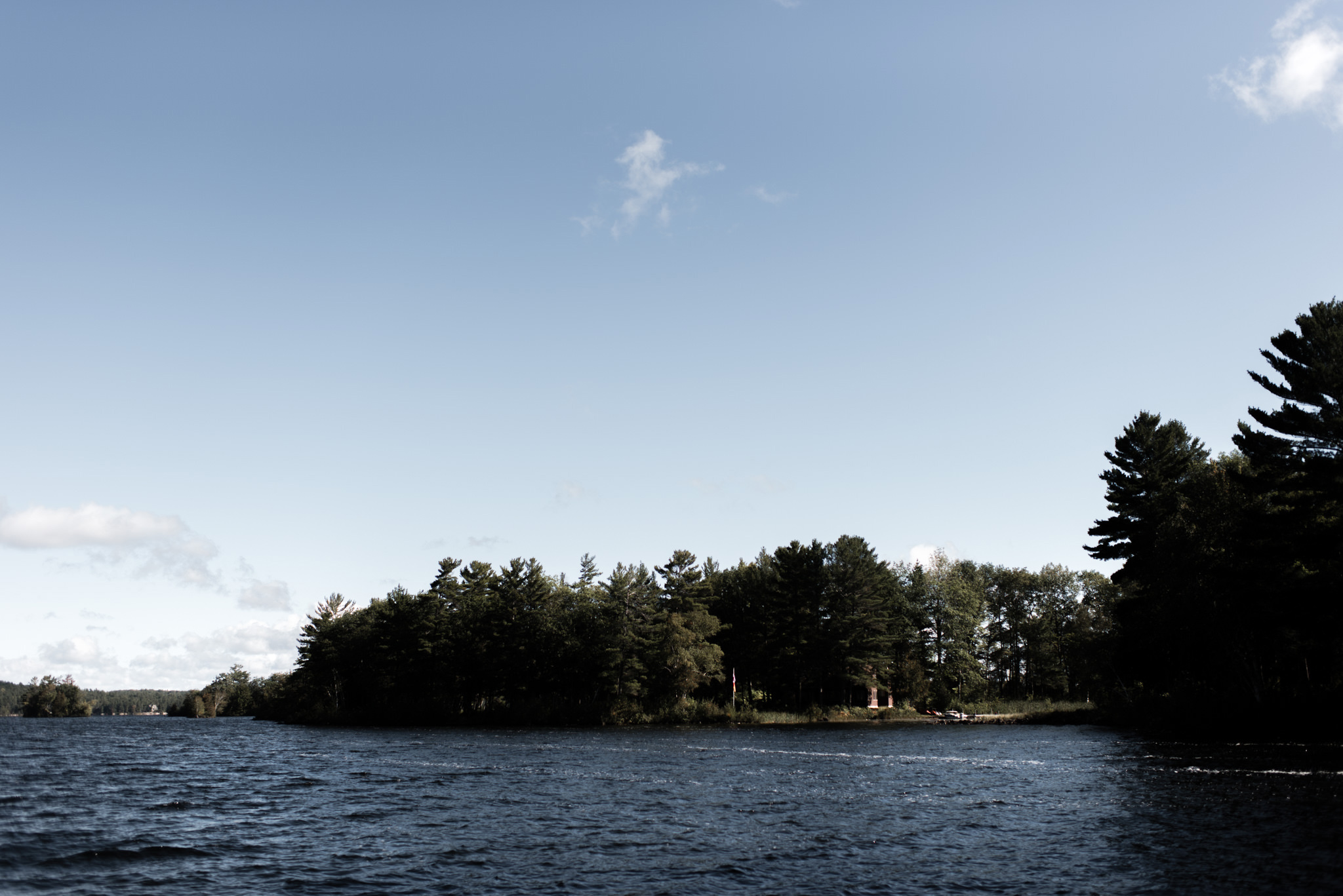 086-ontario-cottage-wedding-photographer-toronto-outdoors.jpg