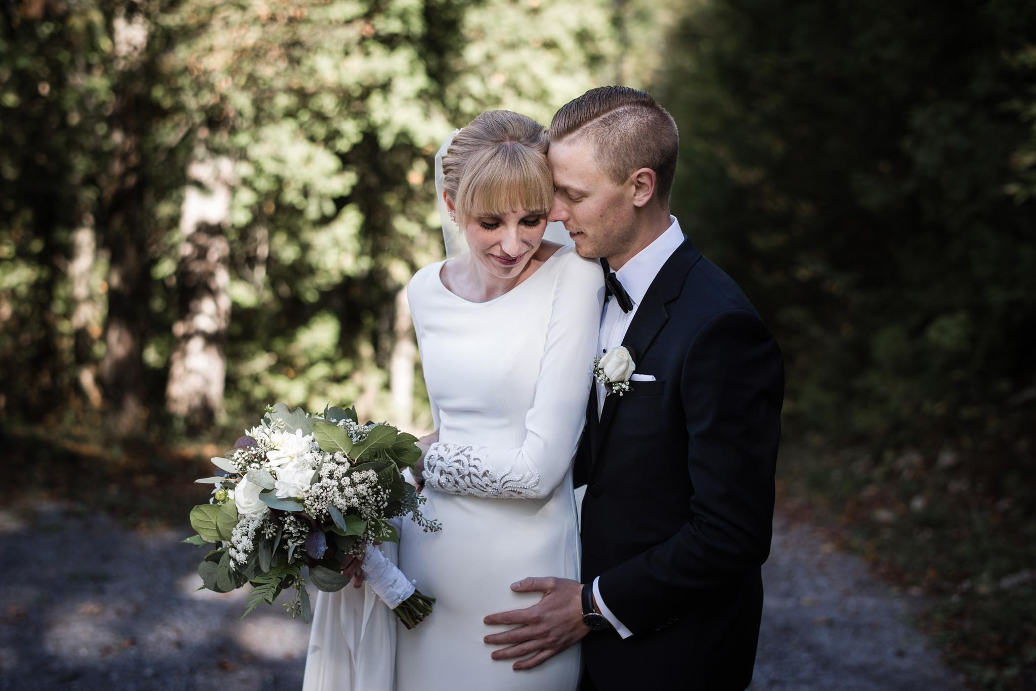 051-wedding-photos-in-forest-ontario-cottage-toronto.jpg