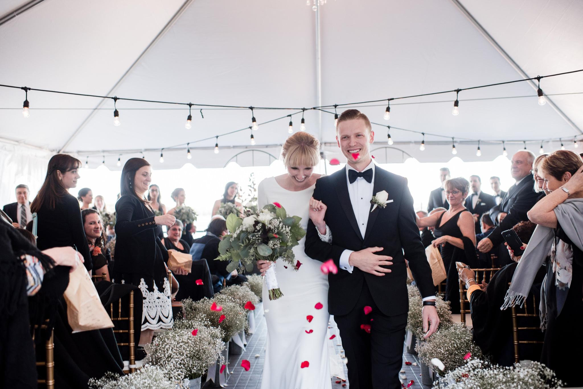 028-cottage-wedding-ceremony-toronto-photographer-lakeside.jpg