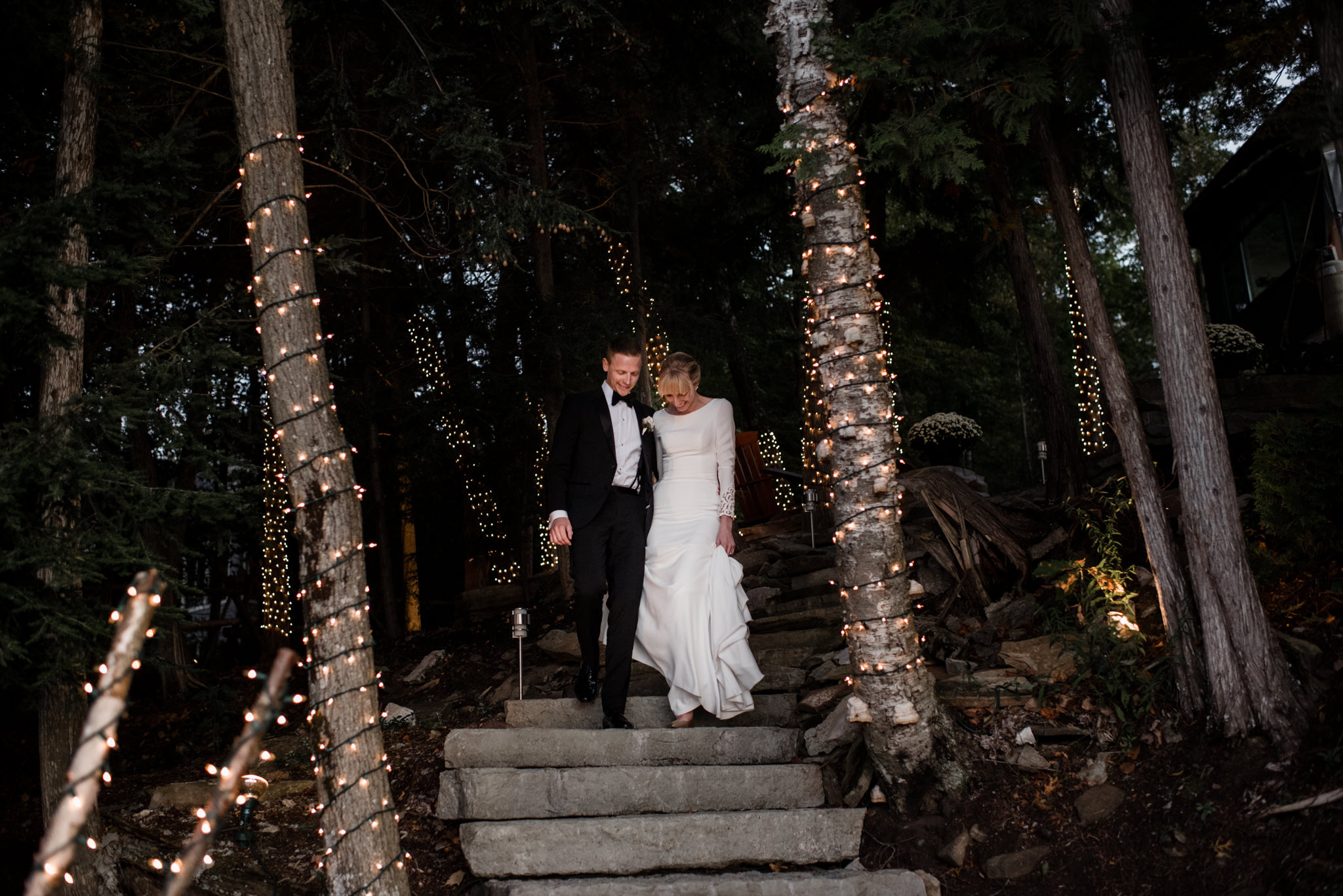 015-romantic-toronto-wedding-photographer-ontario-cottage-sunset.jpg