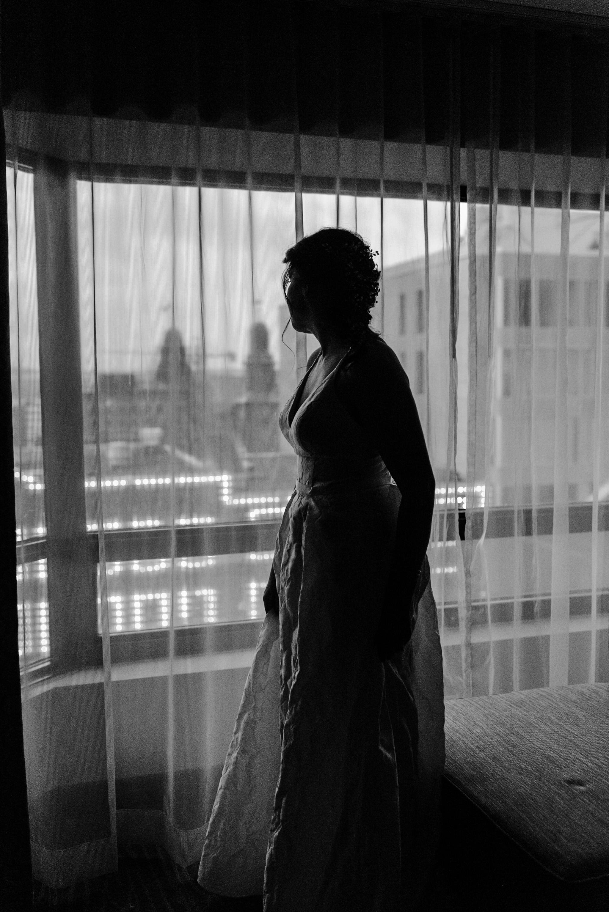 137-wedding-couple-getting-ready-toronto-hotel-rainy-day-photographer.jpg