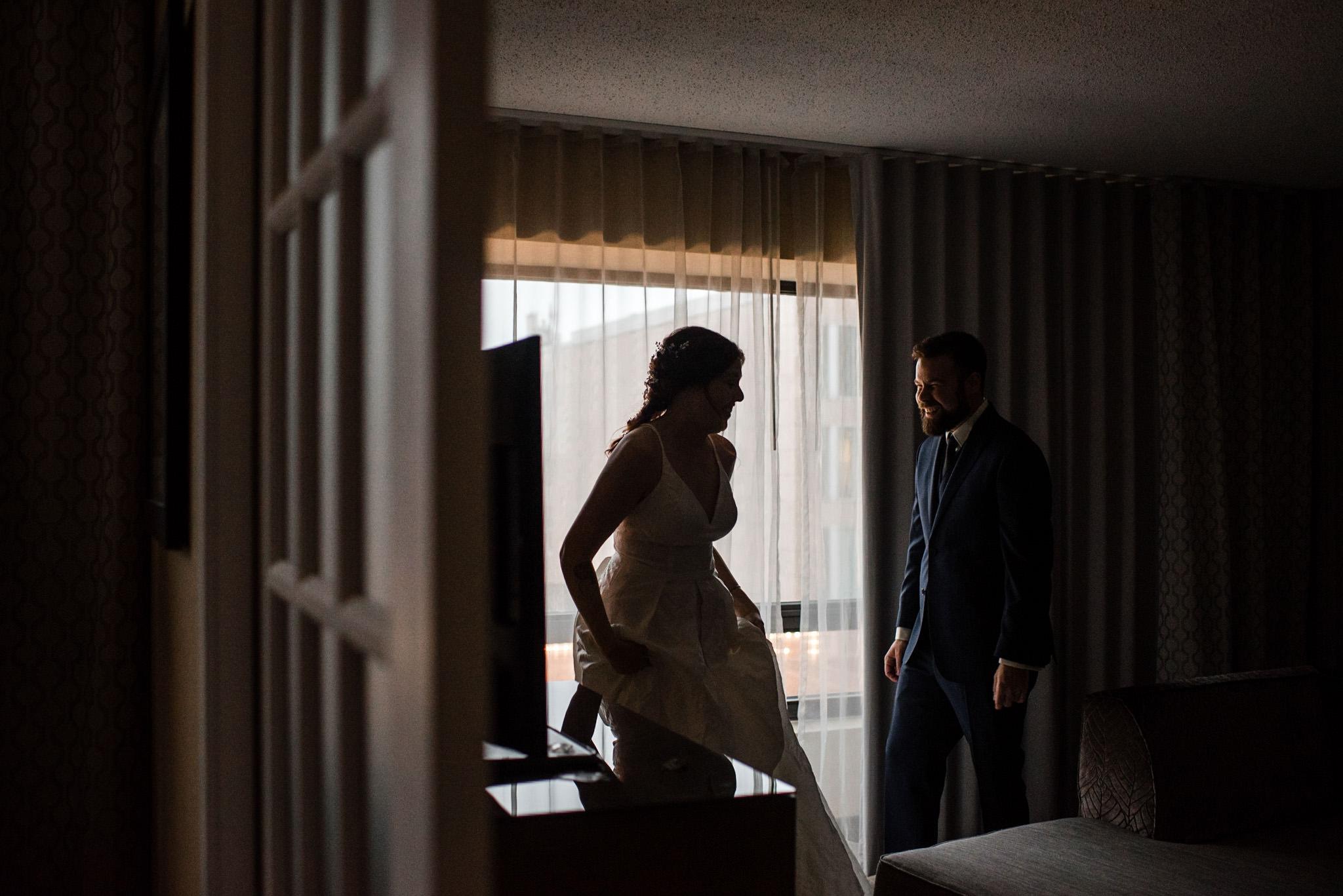 131-wedding-couple-getting-ready-toronto-hotel-rainy-day-photographer.jpg