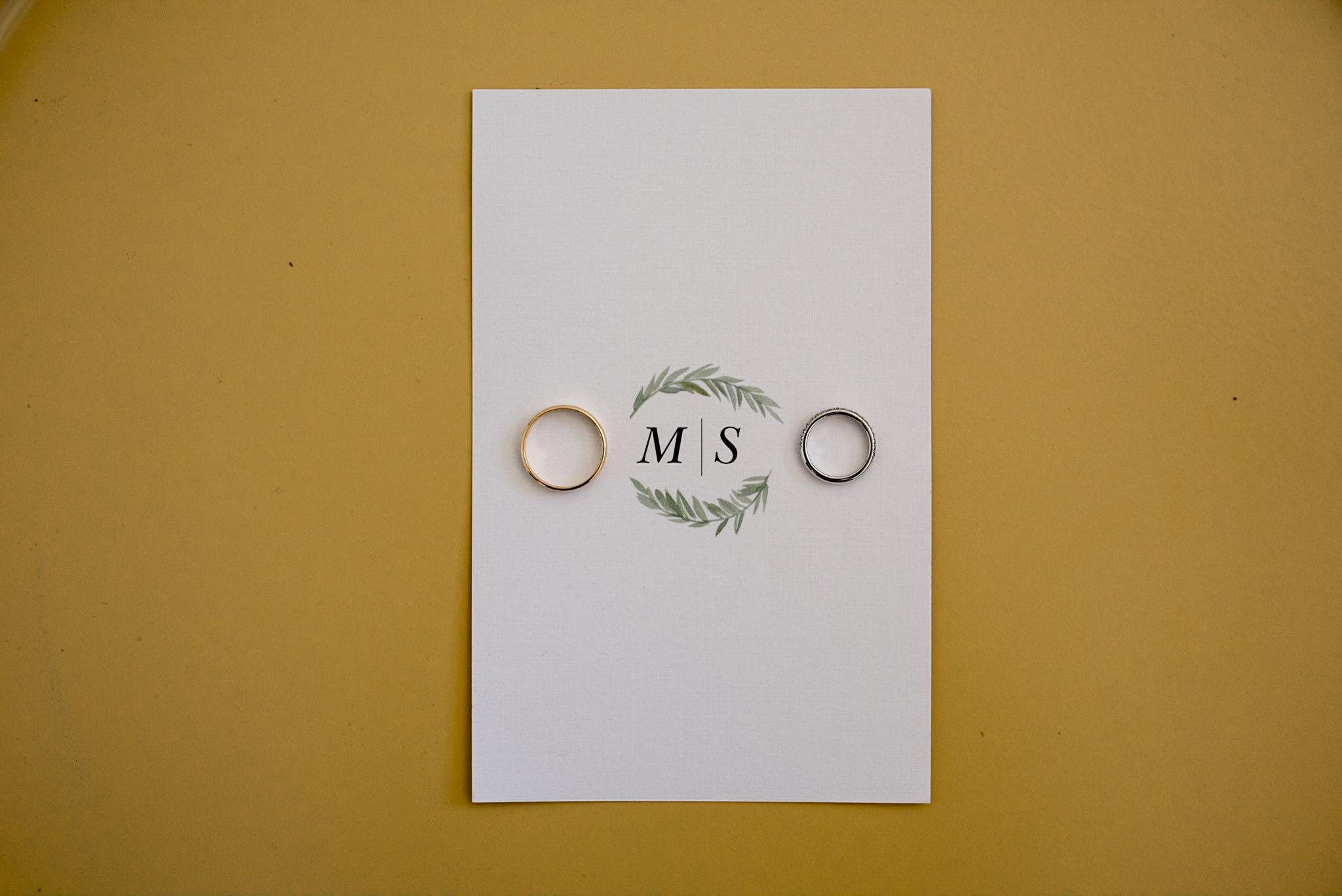 140-modern-toronto-minimalistic-wedding-getting-ready-home.jpg