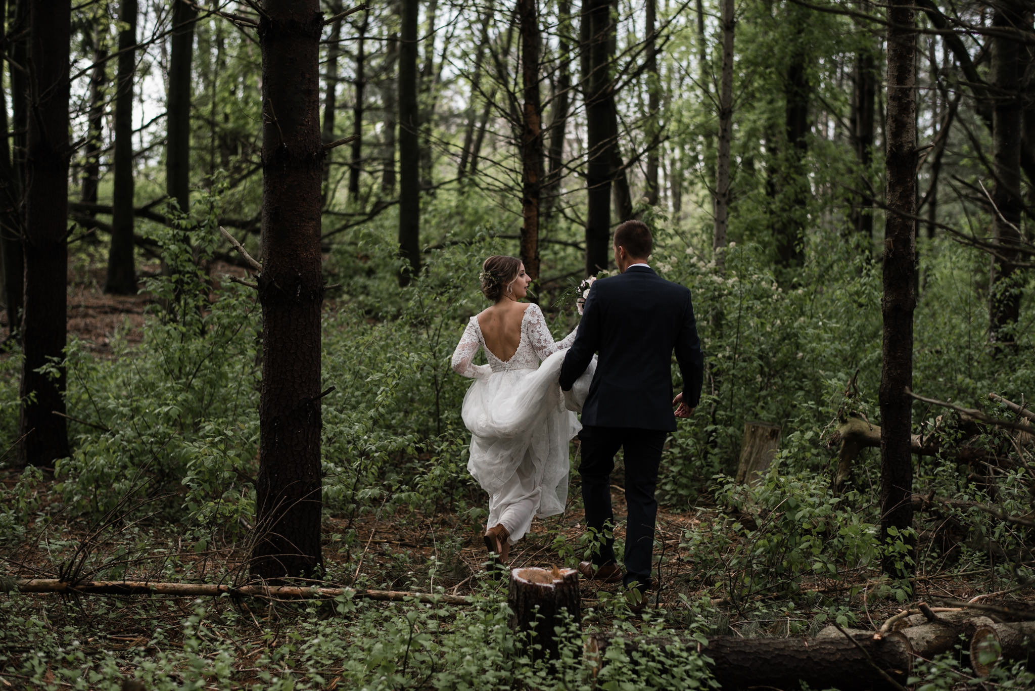 161-forest-wedding-couple-photos-long-sleeve-lace-dress-toronto.jpg