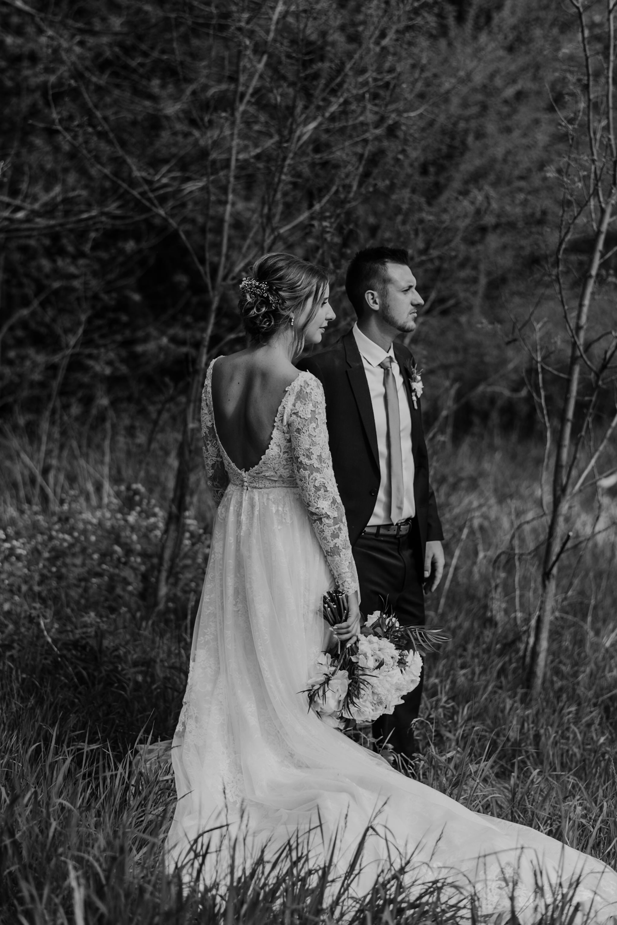 158-forest-wedding-couple-photos-long-sleeve-lace-dress-toronto.jpg