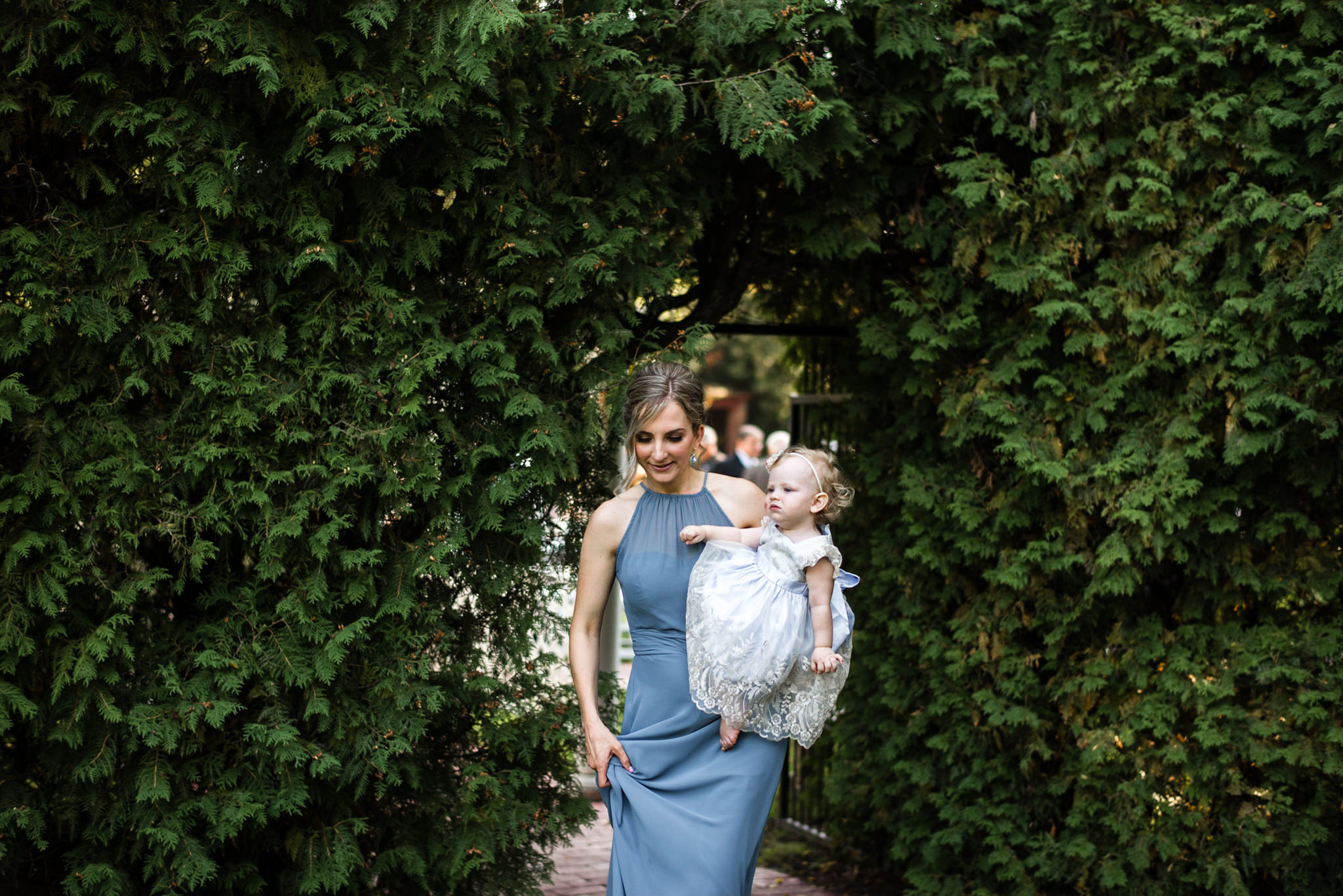 247-guest-candids-cocktail-hour-wedding-photographer-toronto-penryn-park.jpg