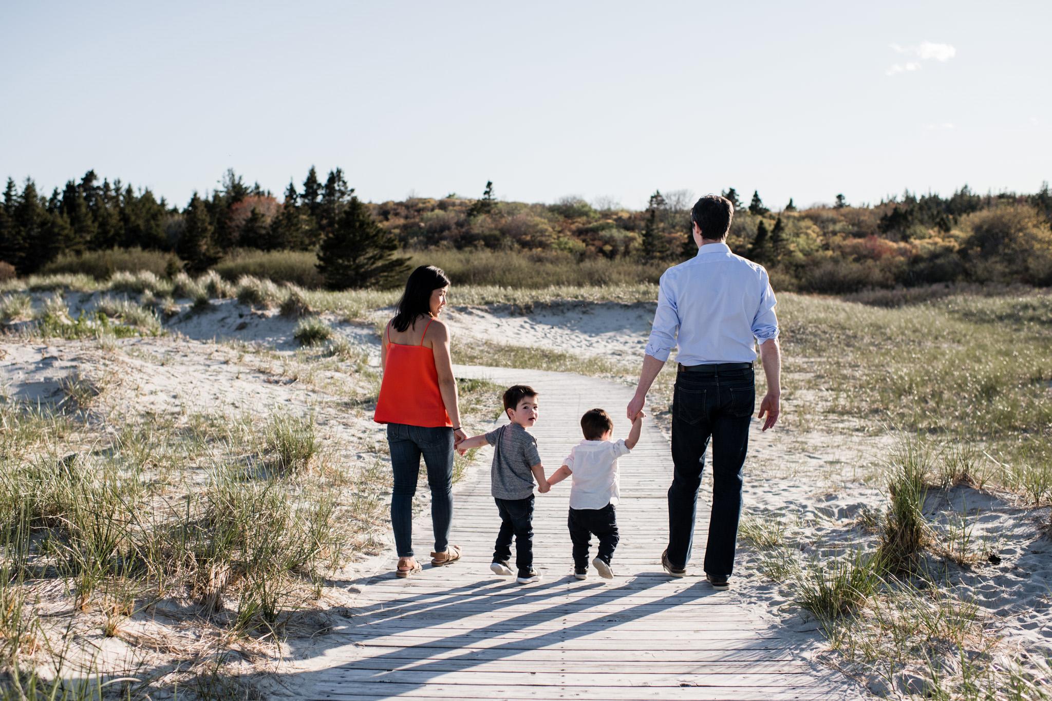 133-beach-family-session-documentary-halifax-toronto.jpg