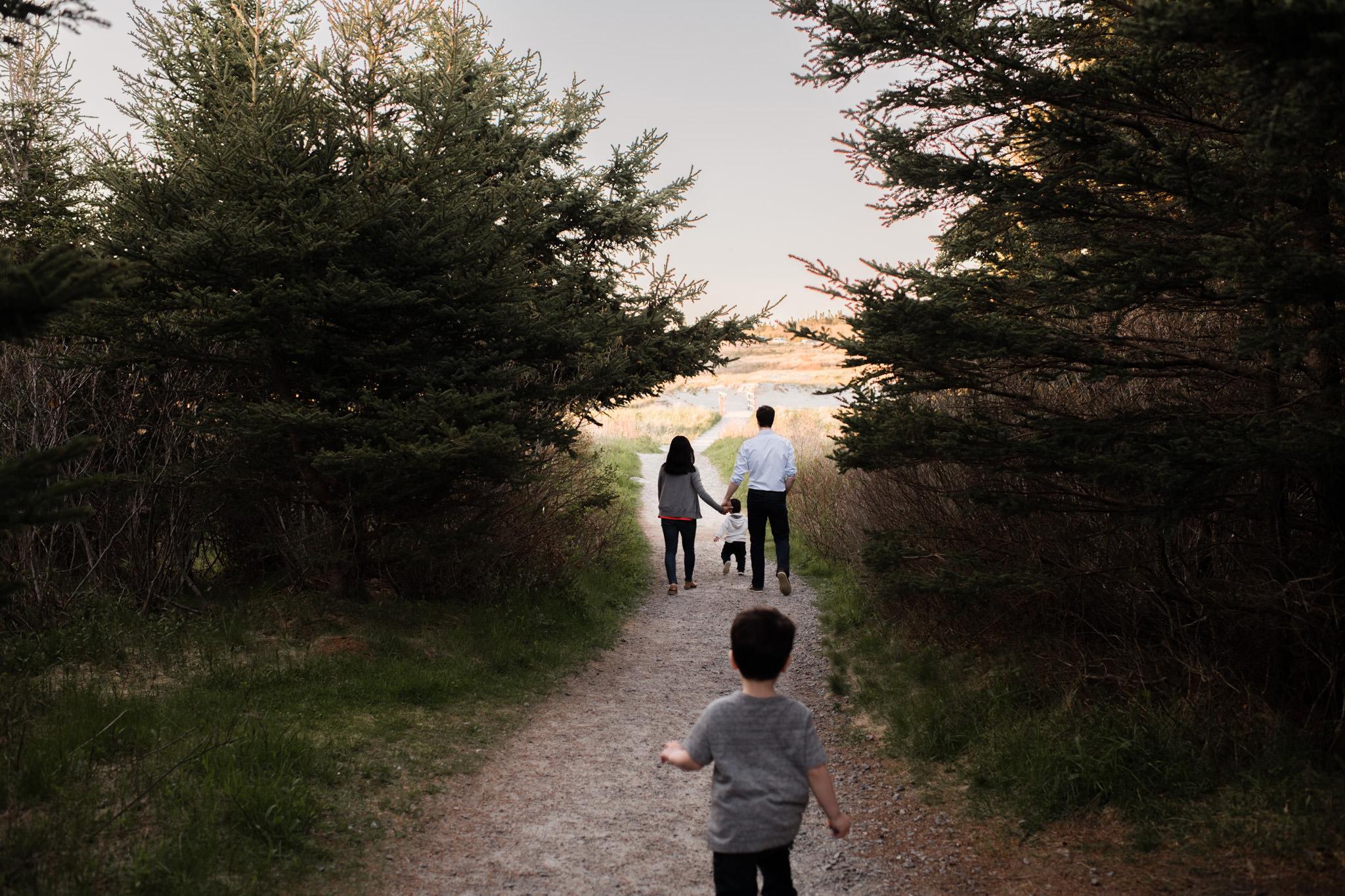 111-beach-family-session-documentary-halifax-toronto.jpg