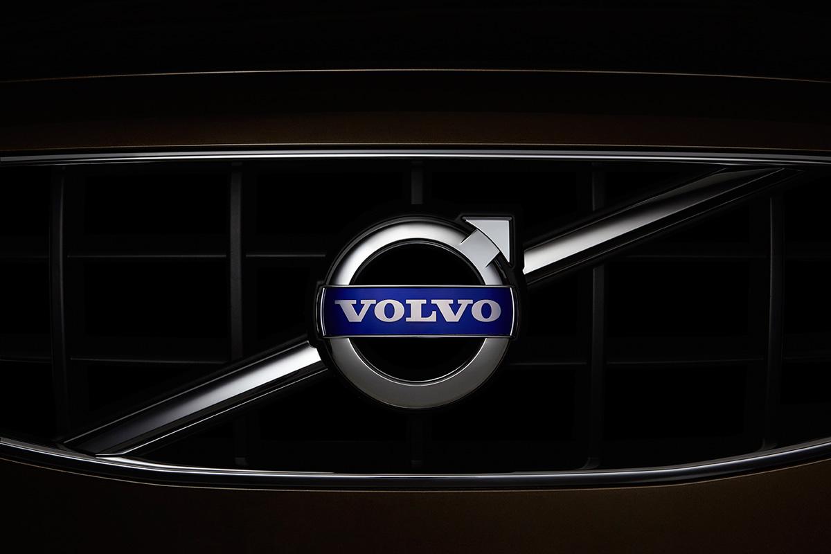 2013-07-31_Volvo1801_F.jpg