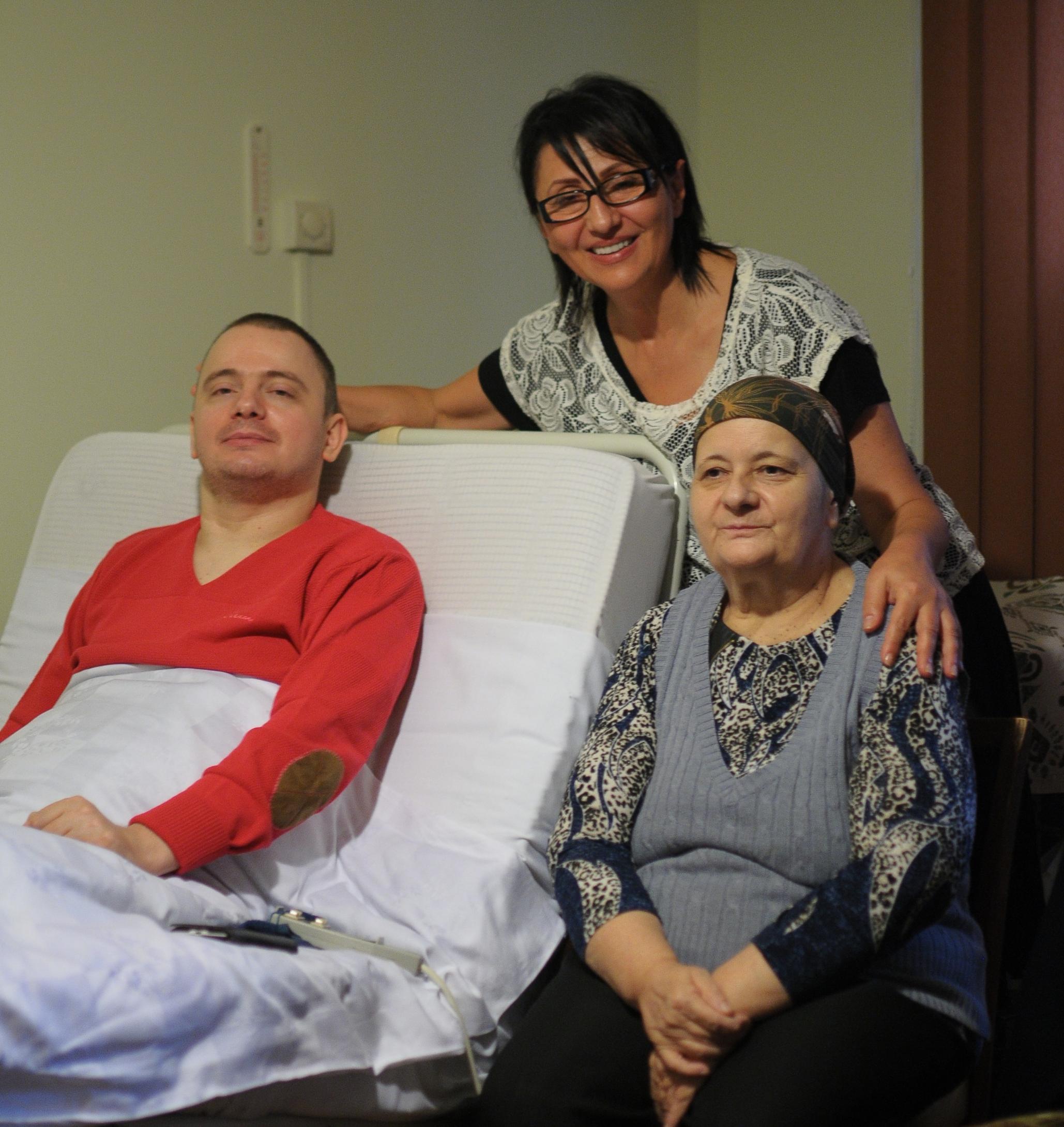 Cornelia with Chris and his mother, Maria