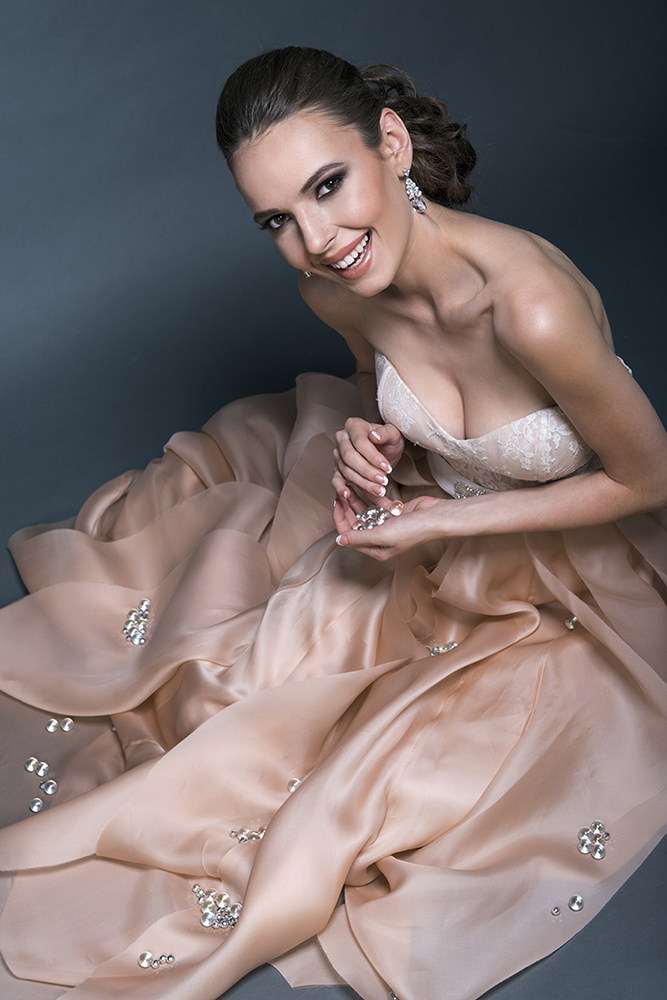Bridal makeup hair by Beauty Affair Agne Skaringa coral cheeks brown natural glowing dress rosy pink gown blushing.jpg