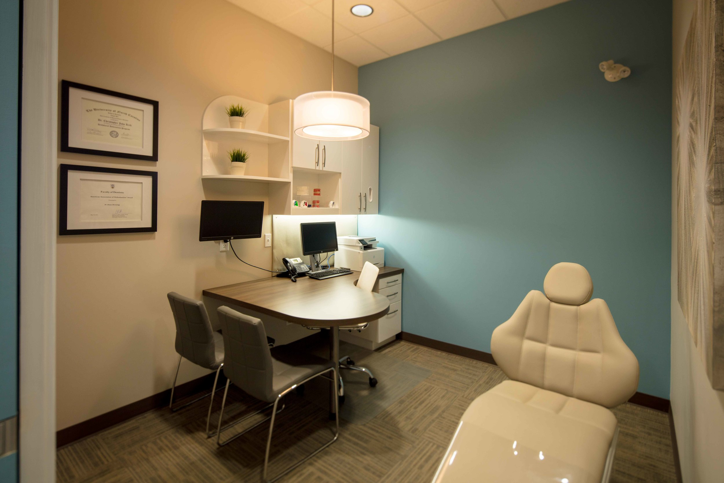 Our private and comfortable consultation room is where you'll meet with  Dr. Kirk  and our treatment coordinator  Becky .