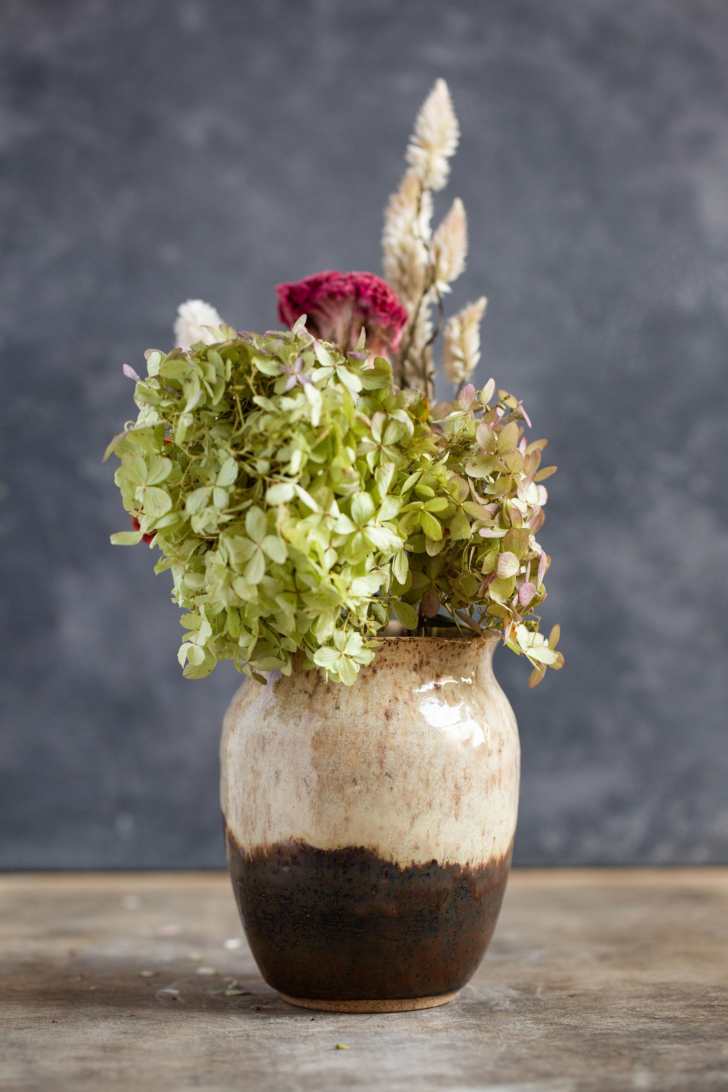 beige.brown vase.jpg