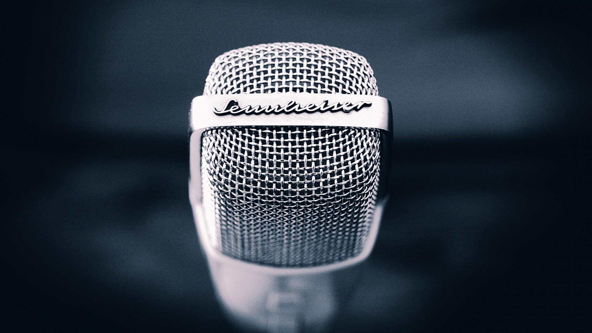 microphone_metal_mesh_91277_1920x1080.jpg
