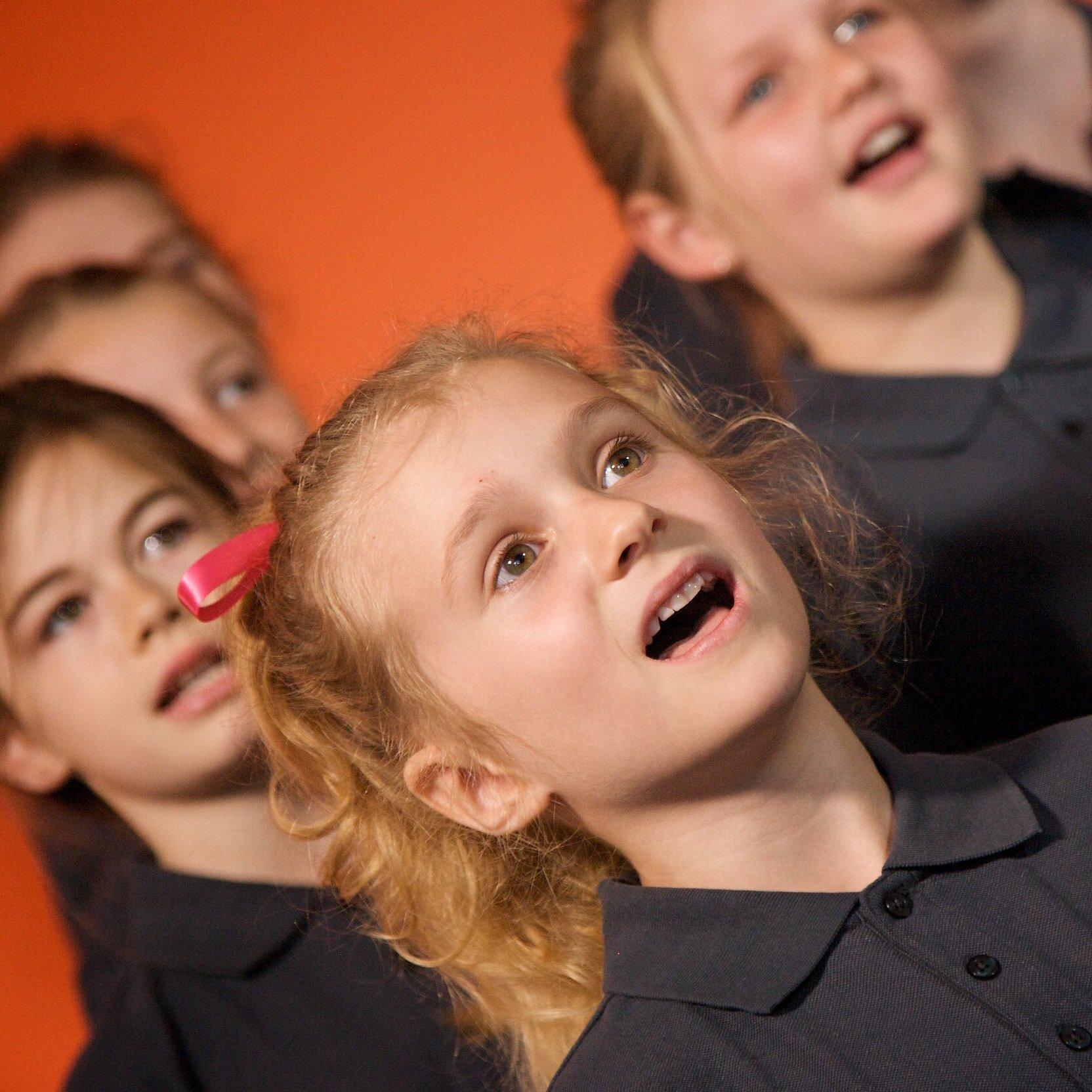 New+Zealand+Girls+Choir.jpg