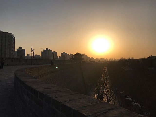Tales from China/// If you visit Xi'an you have to see the Xi'an City Wall! It's especially beautiful during golden hour - plus, if you're feeling sporty, you could rent bicycles 🚲 . . . . . . . . . . . . . #adoption #adoptees #china #explorechina #birthcountry #chineseadoption #photography #travel #traveljournal #xi'an #explore #chinese #learning