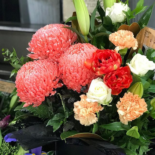 Love these colours together #goldcoastflorist #goldcoastflowersdelivered #paradisepointflowers #paradisepointflowersdelivered #goldcoastflorist