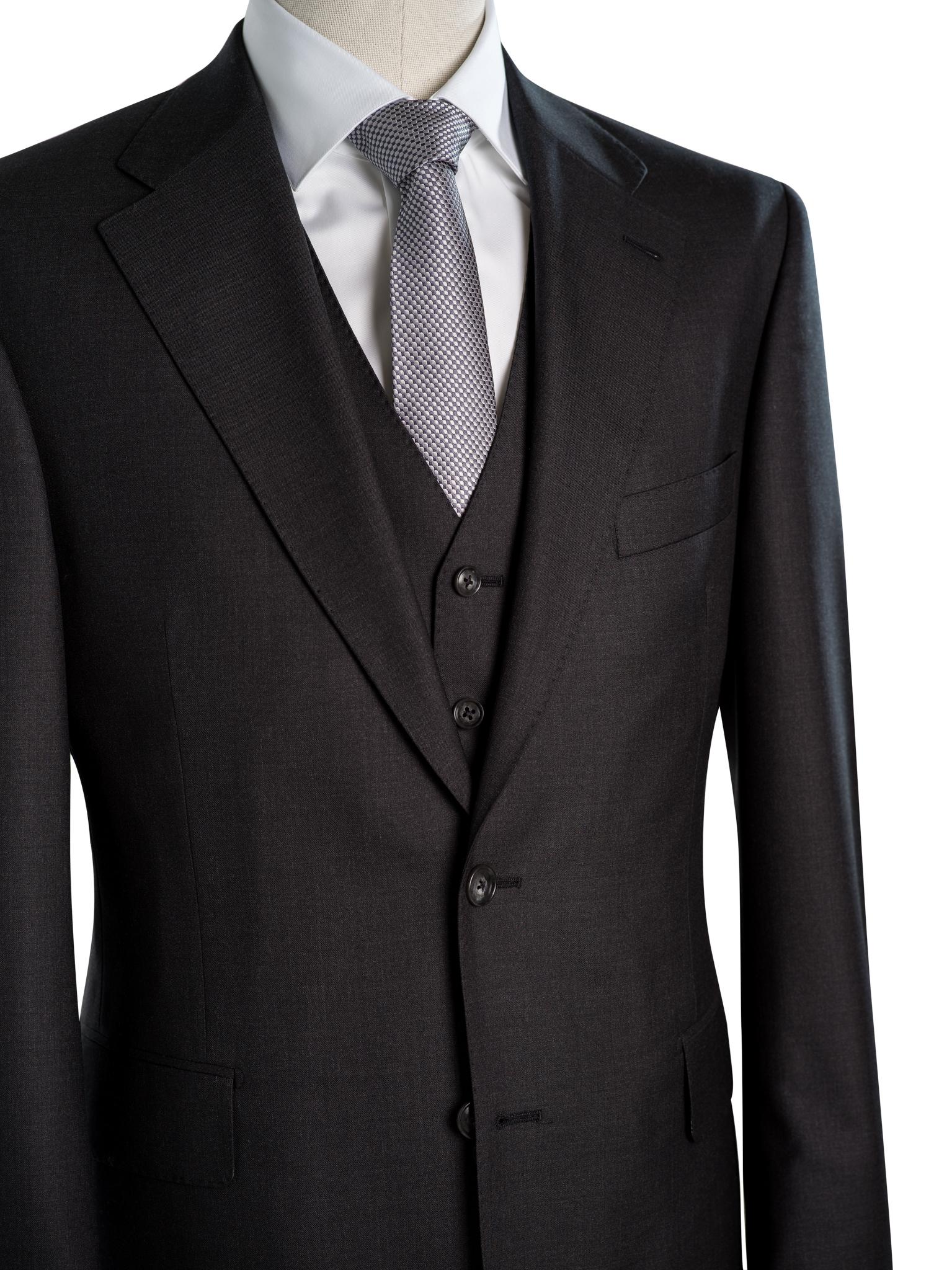 dreiteiliger grauer Anzug Maßanzug Wien buttondown.jpg